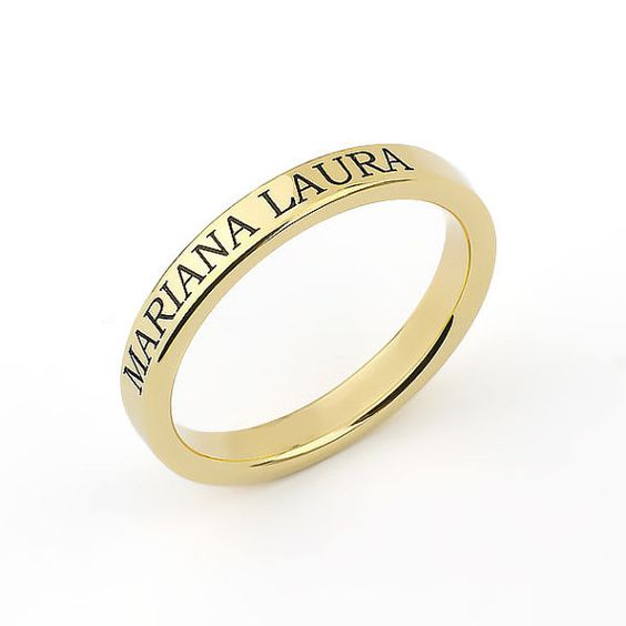 simple gold wedding ring