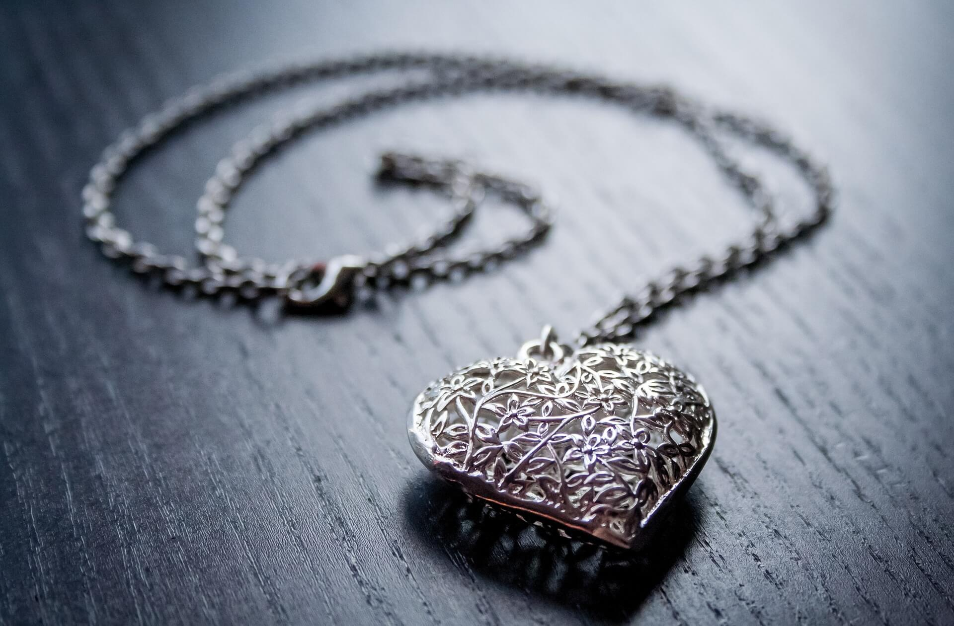 11 Heart Shaped Gold Pendant Designs To Impress Your Loved One