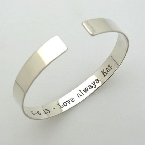 hidden-message-engraved-bracelet-in-white-gold