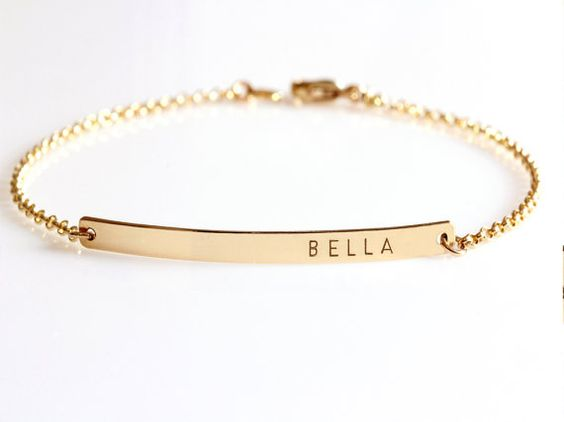 nameplate-gold-bracelet-for-her