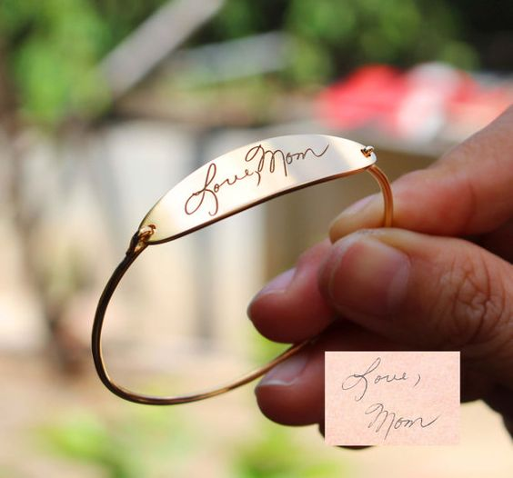 signature-engraved-bracelet