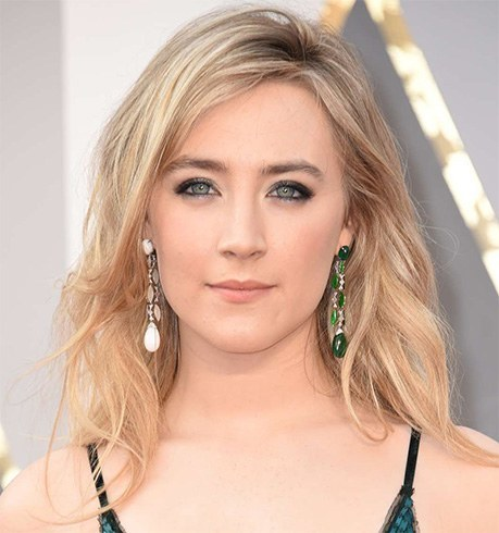 mismatched-earring-saoirse-ronan