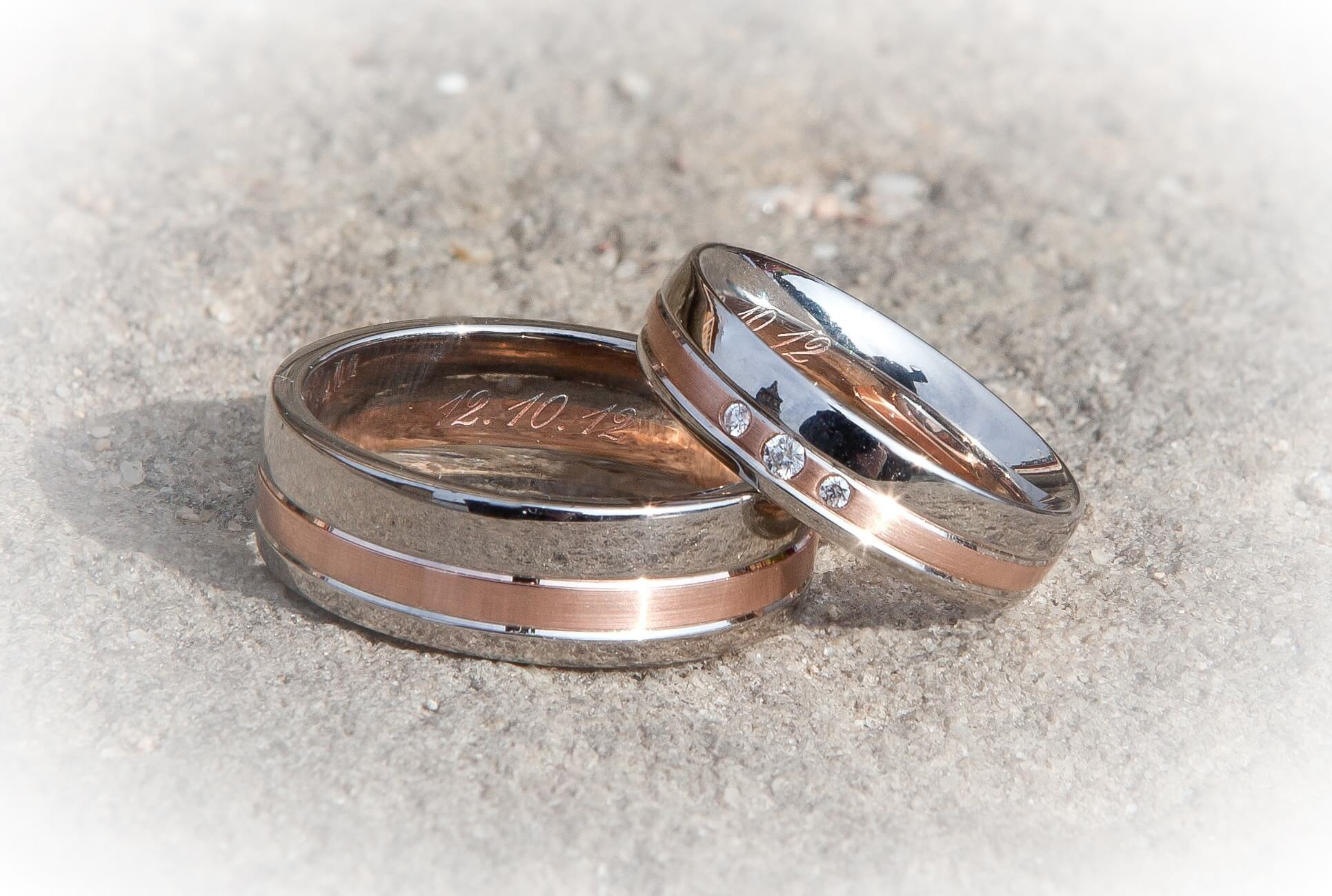 wg bands in solitaire jewelry couples wedding rings with white matching gold gifts for nl couple anniversary diamond